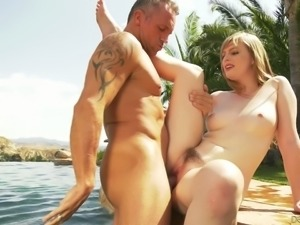There's nothing Dolly Leigh hasn't done and this babe loves missionary