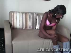 Amazing black chick gives a blowjob