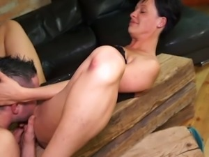 Incredibly slutty short haired European wife gives a good blowjob
