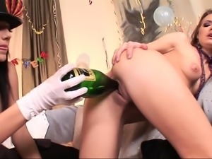 Sexy amateur blonde lesbian babe getting eaten out