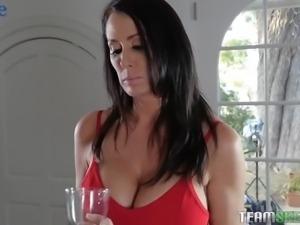 Beautiful Lacey Channing sucks strapon worn by torrid MILFie sexpot