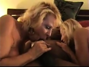 Mature lady for interracial threesome