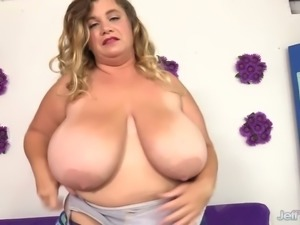 Hairy dude gets almost sweaty while fucking meaty cunt of BBW Hailey Jane