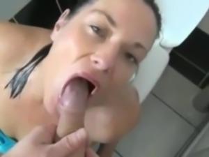 piss swallowing girlfriend II