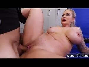 Teen makes milf squirt xxx Dominant MILF Gets A Creampie After Anal