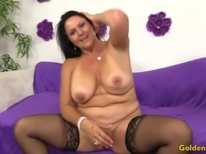 Happily smiling big breasted brunette lady Leylani Wood lets dude drill her twat