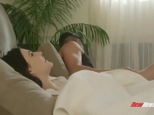 Flexible hottie Jenna Reid gets her pink pussy pile driven really hard
