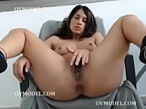 slut sexyschookilhb flashing ass on live OVMODEL.COM