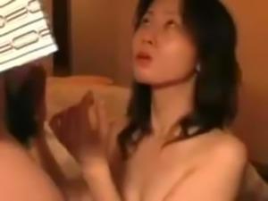 Amature Japanese MILF blowjob amazing