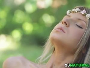 Hippie girl got fucked in the woods