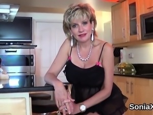 Unfaithful british mature lady sonia flashes her big melons2