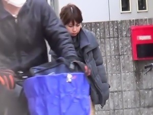 Japanese teen public pees