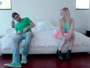 Vivid sporty blond head Chloe Foster is ready for cuni and hot mish