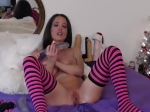 Sexy MILF Fucked Herself Hard With a Dildo