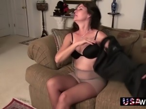 Lonely horny housewife Lori uses a sex toy for petting her hairy pussy