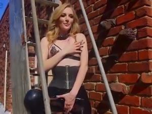 Sophia Locke is fond of kinky lesbian femdom and bondage