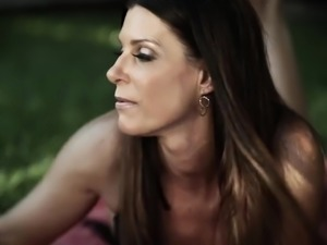 Enough horny for MFF threesome bitch India Summer is eager to work on dick