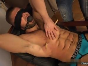 Muscle bodybuilder spanking and cumshot
