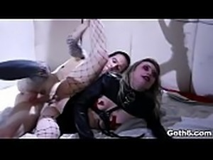 Goth teen nympho Ivy Wolfe went crazy for cock