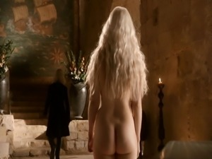 Sexy Emilia Clarke (khaleesi) nude tits and ass