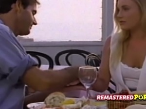 Retro chick shares a meal with her man