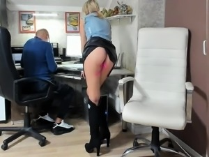 amateur valia flashing boobs on live webcam