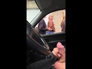 Dick flashing in car 22 - she looks