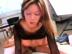 Vigorous playgirl gets poontang explored