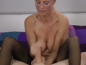 Young Lucky inexperienced Boy Learning Sex with Mature MILF
