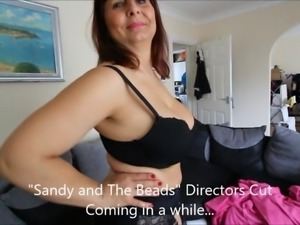 Sandy and the beads - 2nd Trailer