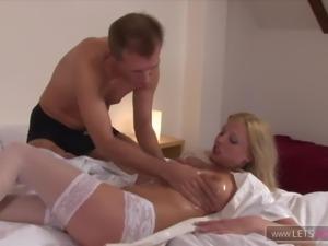 Blonde notgeile Krankenschwester