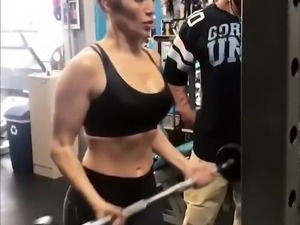 Jennifer Lopez working Out!