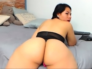 Hidden Cam On Amateur Short Hair Milf Masturbation
