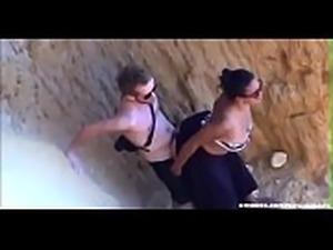 Marido seguiu a esposa e quase n&atilde_o acreditou no que viu #7